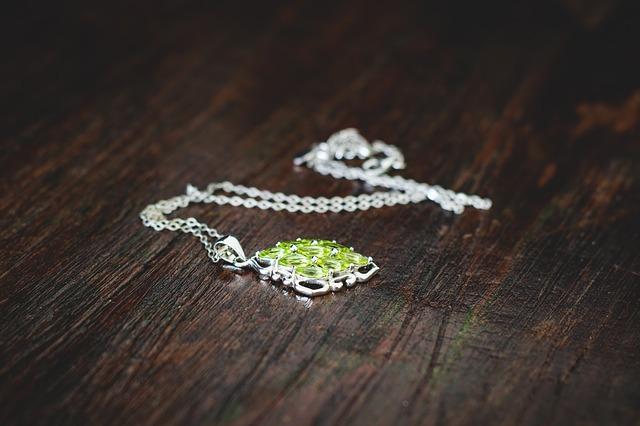 Biżuteria z oliwinem